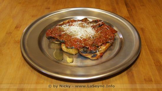 Bruschetta à la Courgette grillée, Sauce Tomate et Pecorino frais