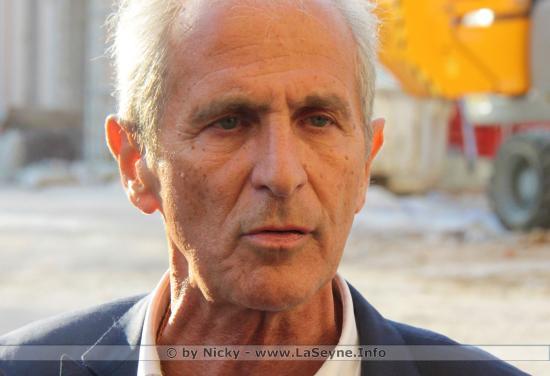 Hubert Falco dénonce l'accueil solennel des ex-otages par Macron