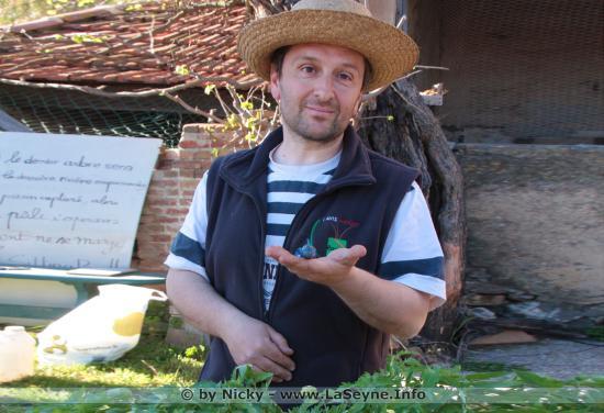 David Ferri, le président de l'association des Maquisards de la solidarité verte sur le terrain de Mauvéou