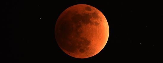 Observez l'Eclipse de Lune du Vendredi 27 Juillet 2018