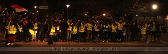 Photos: #GiletsJaunes - #Guinguette et #Barbecue ... Vendredi 04/01/2019, plus de 200 Manifestants se sont rassemblés