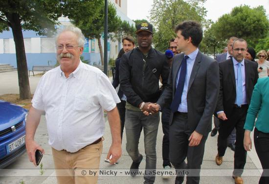 Le ministre Denormandie a visité le collège Henri Wallon et la médiathèque Andrée Chedid