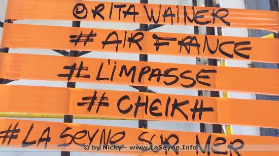 Graff: Rita Wainer enlumine La Forge sur la Place Perrin le Samedi 09 Septembre 2017
