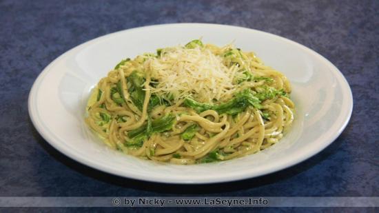 Spaghettis faits Maison aux Poivrons by Nicky