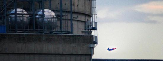 Greenpeace fait voler et s'écraser un Drone au-dessus d'une Centrale nucléaire ... Vidéo