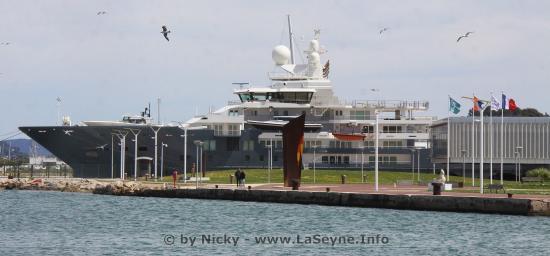 Yacht de Luxe: L'Andromeda s'est amarré à La Seyne le 25/04/2019