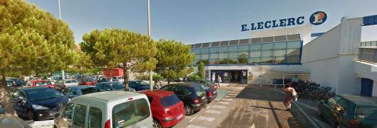 Tamaris: Une Femme interpellée après avoir agressé deux Personnes avec un Cutter dans le Supermarché Leclerc à La Seyne