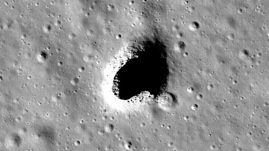 Une Grotte géante, qui pourrait servir de Base aux Astronautes, découverte sur la Lune