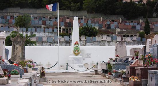 Cérémonie du « Souvenir français » Vendredi 1er Novembre 2019 devant la Stèle du Souvenir français au Cimetière