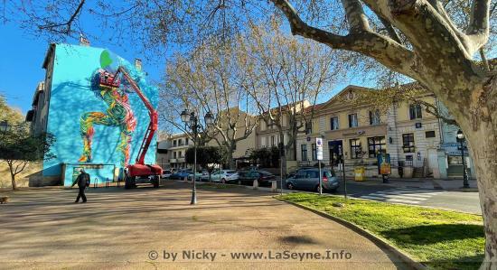 Une nouvelle Oeuvre graphique murale sur le Square Anatole France à La Seyne