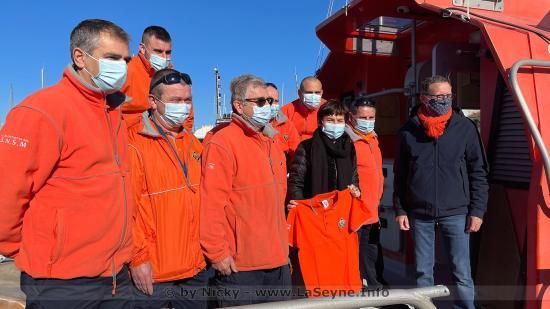 La Ministre de la Mer, Annick Girardin, s'est rendue le 11/02/2021 à Saint-Mandrier-sur-Mer pour saluer les Bénévoles de la Station SNSM