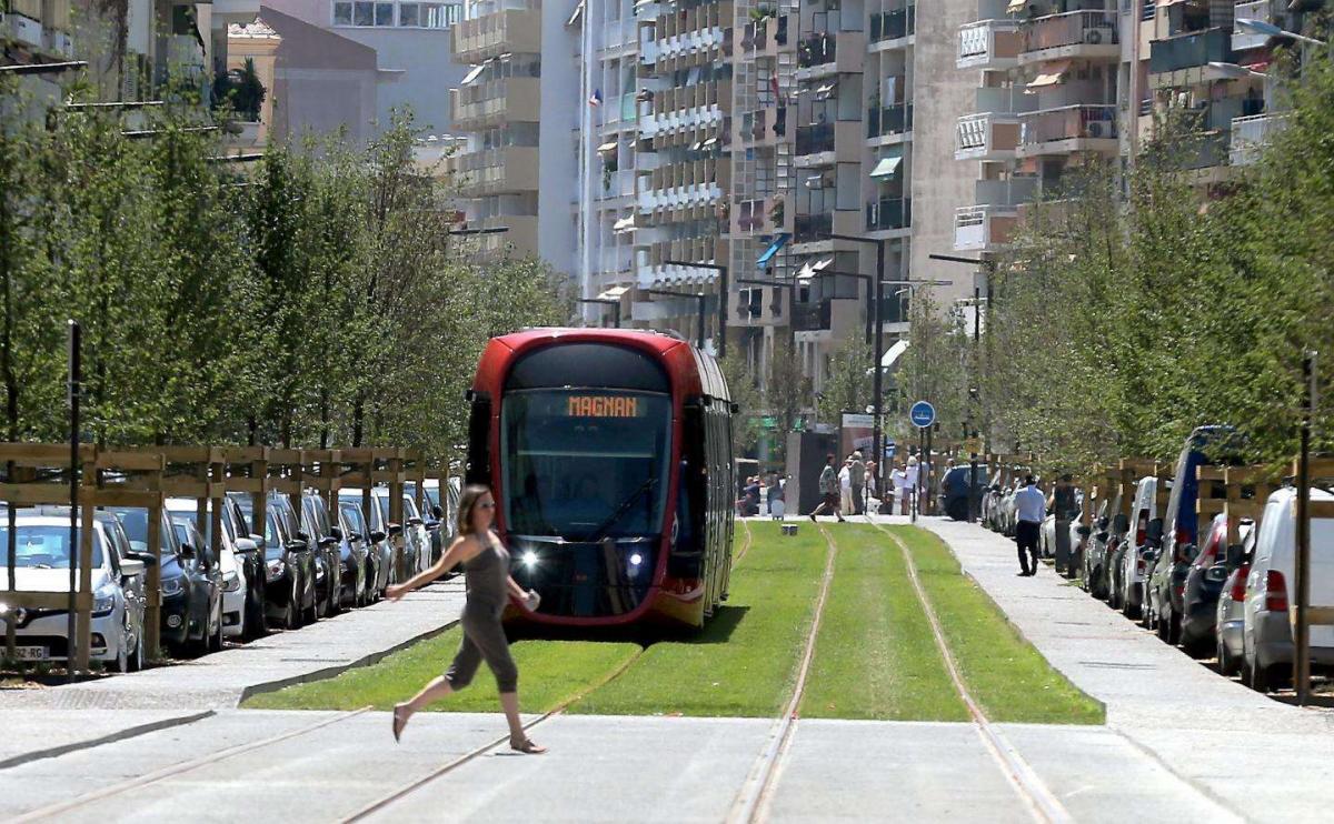 Un futur tramway à Toulon? Hubert Falco évoque le contre-exemple niçois