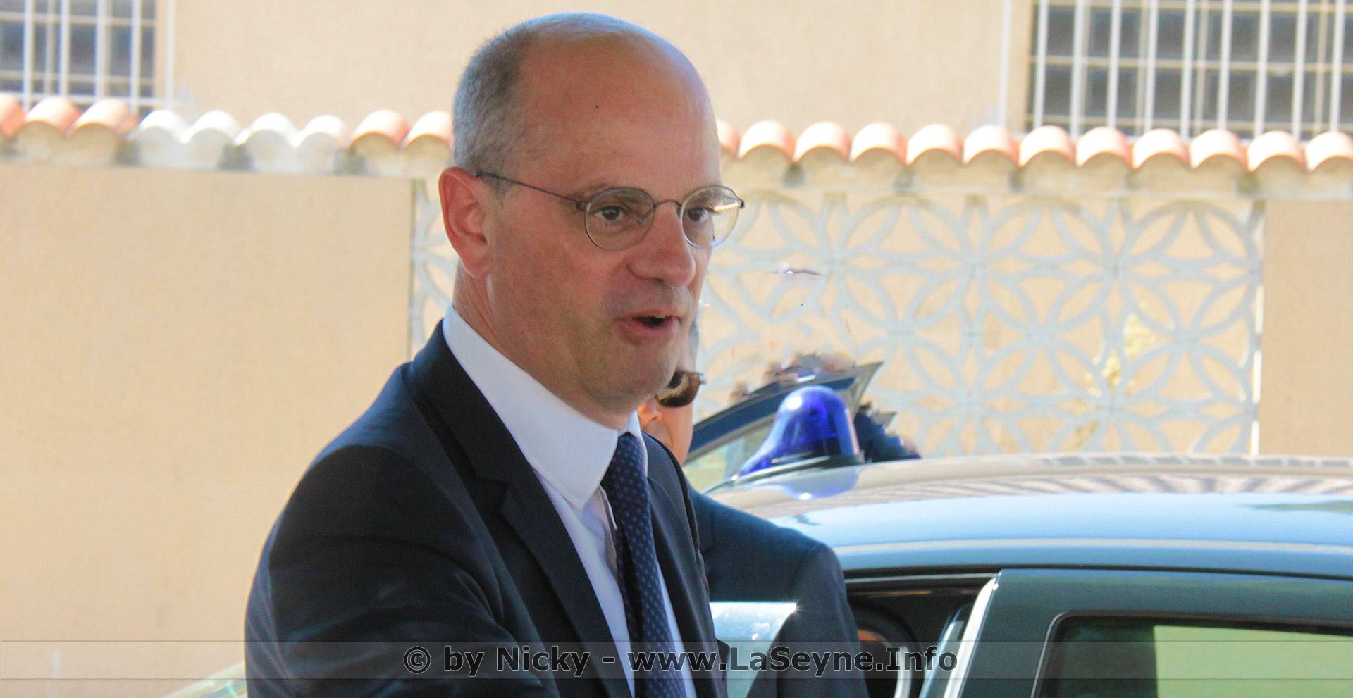 #Déconfinement: Selon le Ministre de l'Education nationale Jean-Michel Blanquer, Il y a plus de Risque à rester chez So