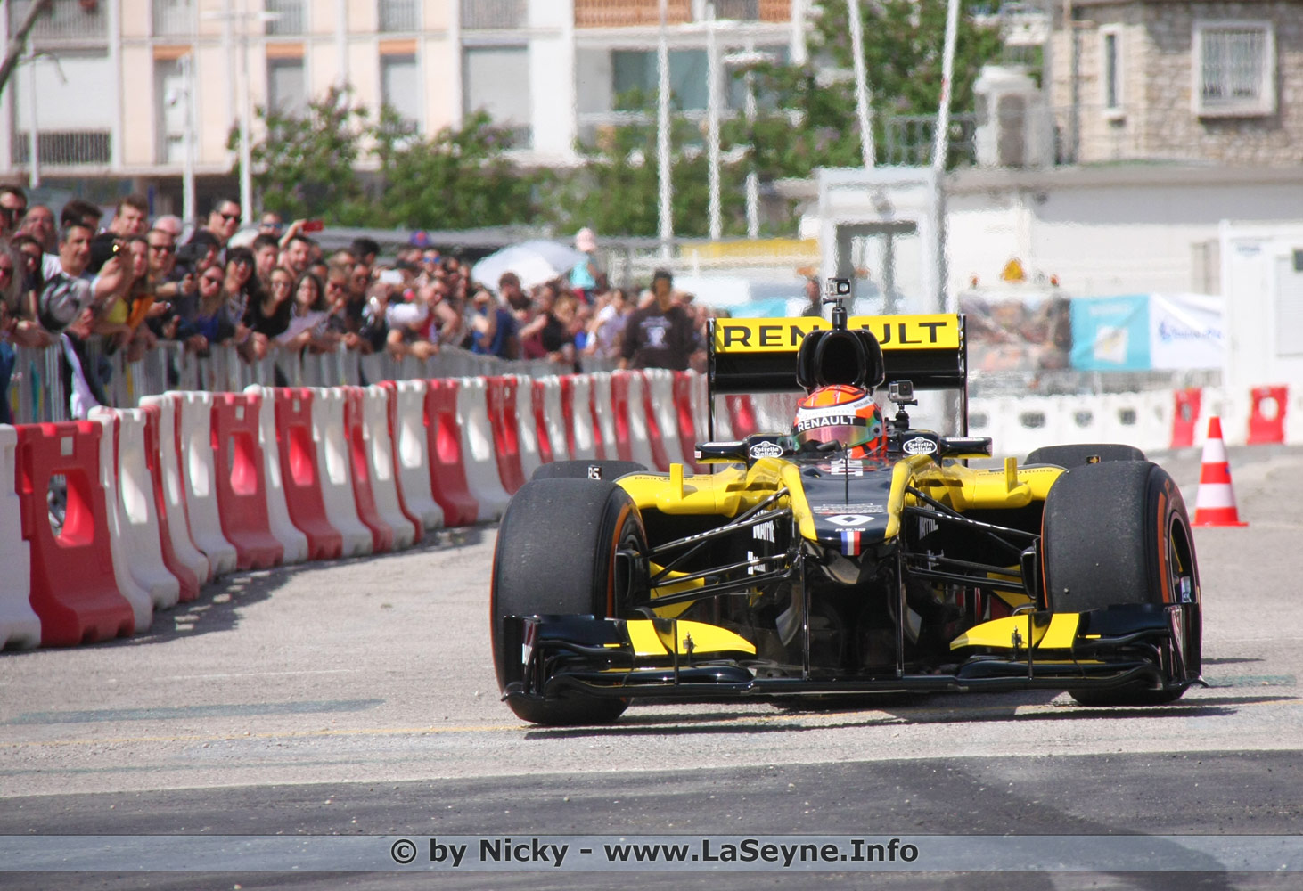 Un Road Show Formule 1 sur le Port de Commerce à Toulon