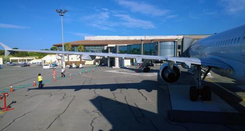 Les Maires de la Métropole en Colère à Cause de la Fréquence des Rotations à l'Aéroport Toulon-Hyères -